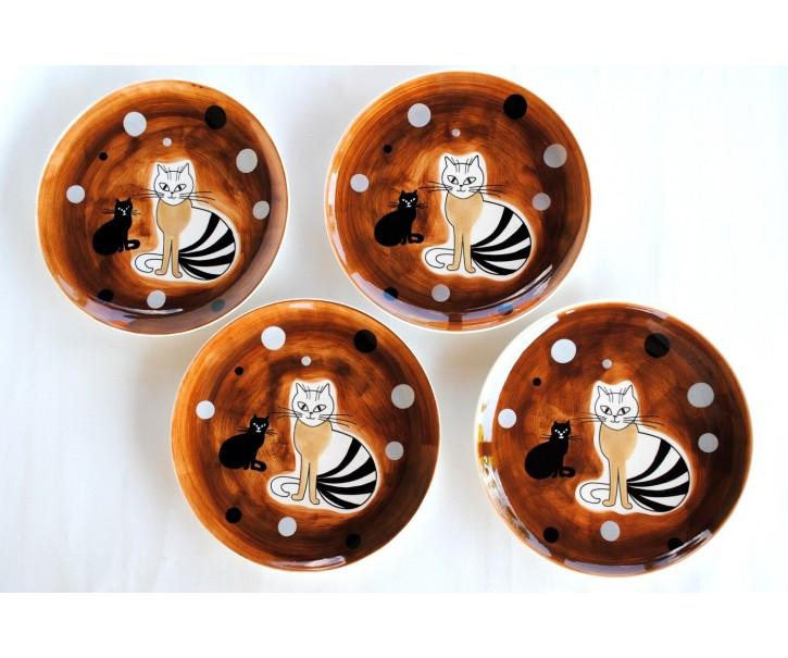 Sada 4x hnědý mělký talíř sedící kočka