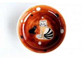 Hnědý hluboký talíř sedící kočka