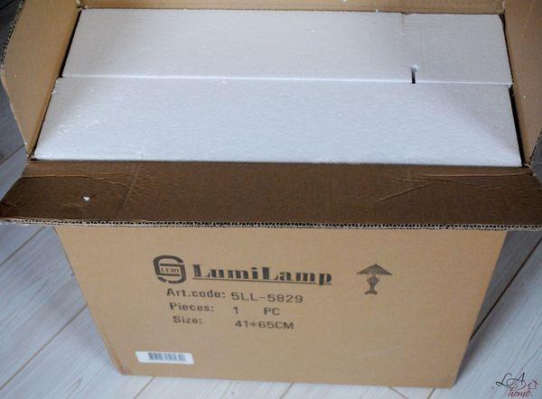 Balení Tiffany lampy v krabici